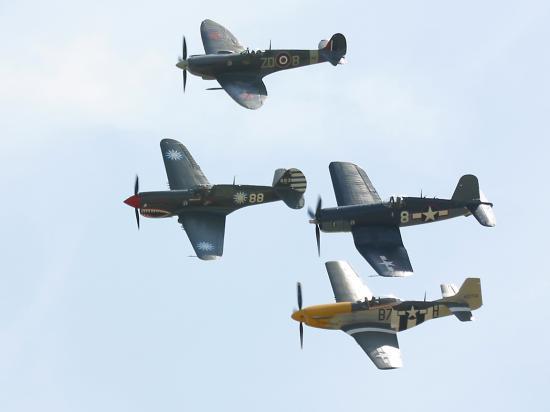 Spitfire - P40 - P51 - F4U