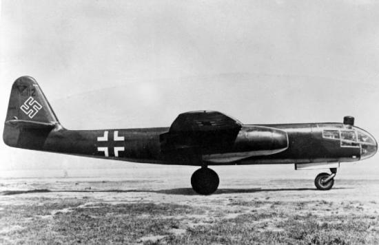 arado-ar-234-on-ground-c1945.jpg