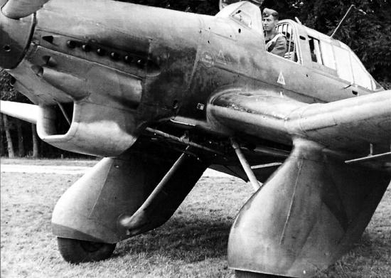 junkers-ju-87-wilhelm-stuka-dive-bomber-01.png